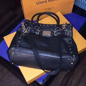 Micheal Kors Black Leather purse